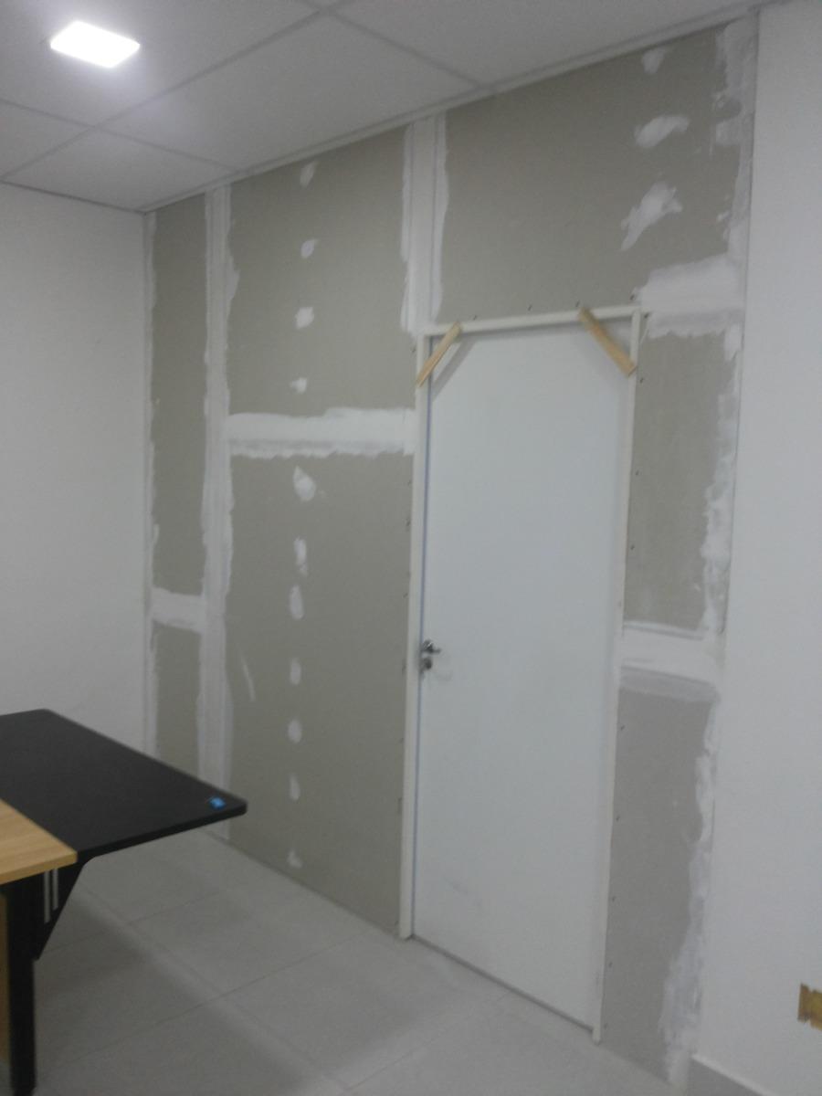 Parede de drywall com porta