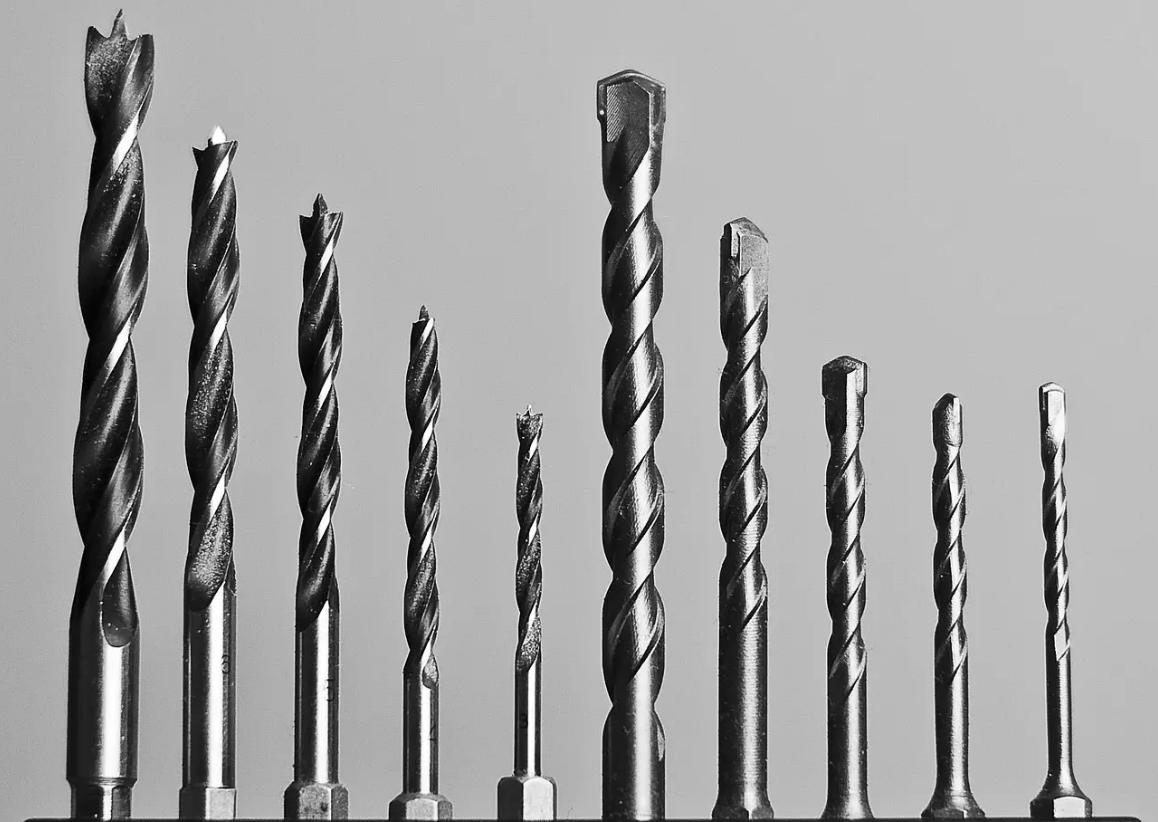 Qual a diferença entre a broca de ferro e a de madeira?